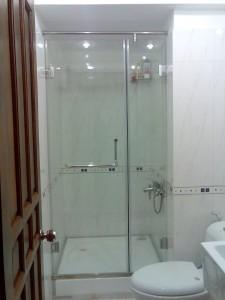 Vách tắm kính cường lực – Kính nhà tắm – Thay kính nhà tắm