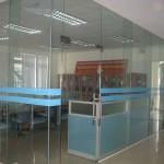 Công ty TNHH nhôm kính chuyên thi cong và cung cấp vách ngăn nhôm kính