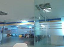 Vách kính phòng họp – Cung cấp vách kính phòng họp- Vách kính văn phòng