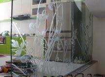 Vách kính phòng khách giá rẻ – Thi công vách kính phòng khách TP HCM – Vách kính phòng khách tại TP HCM