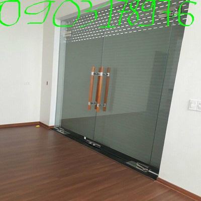 Cửa kính bản lề sàn – Thi công cửa kính bản lề sàn – Cửa kính bản lề sàn 2 cánh